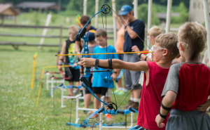 camp_archery_group